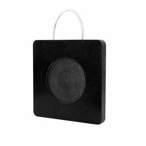 black outrigger pads